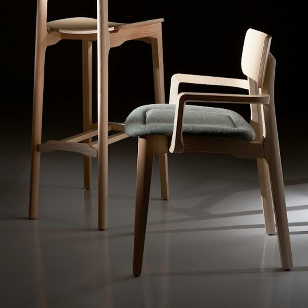 Cacao soft sedia di design chairs more in legno con for Sedia e maschile o femminile
