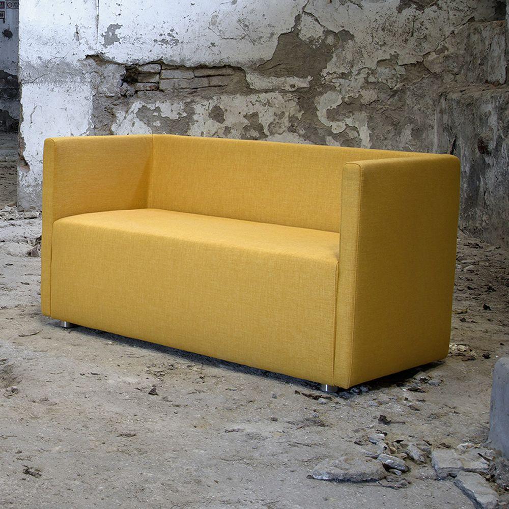 Bettie l divano moderno domingo salotti 2 posti a sedere disponibile in tessuto pelle o - Divano pelle o tessuto ...