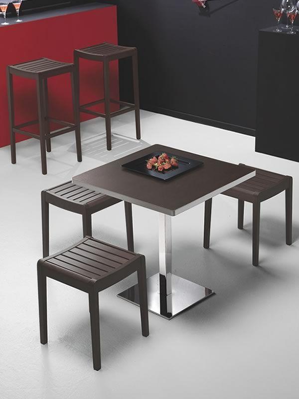 716 - Tavolo in metallo, piano quadrato 70 x 70 cm - Sediarreda