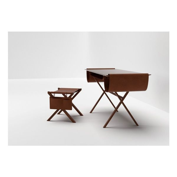 Lucio sgabello basso valsecchi in legno con seduta in for Sgabello per scrivania