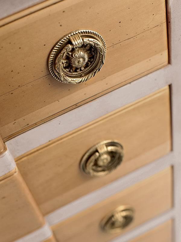 lyra 1497 klassische kommode tonin casa aus holz mit 6 schubladen in verschiedene ausf hrungen. Black Bedroom Furniture Sets. Home Design Ideas