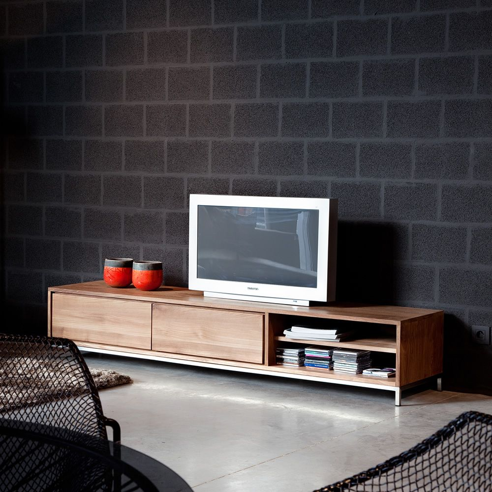 essential tv meuble tv ethnicraft en bois avec tiroirs disponible en diff rentes dimensions. Black Bedroom Furniture Sets. Home Design Ideas