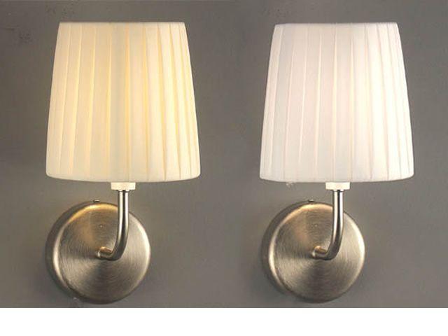 FA2960P1 - Lampada da parete in tessuto plissettato, in bianco e beige