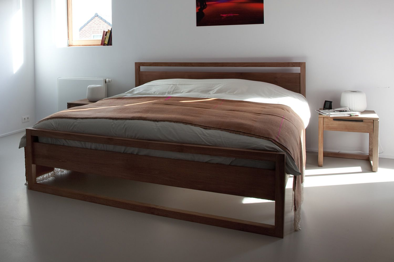 Light frame cama matrimonial ethnicraft con estructura de for Ancho cama matrimonial