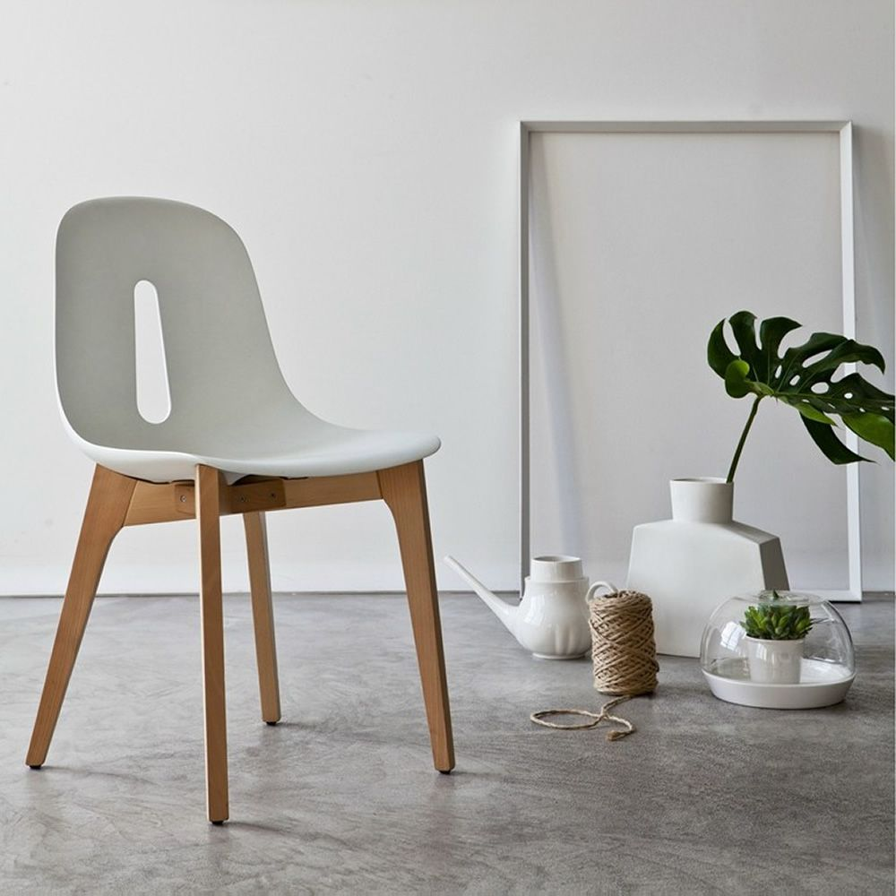 Gotham wood sedia di design chairs more in legno e for Sedia design faccia