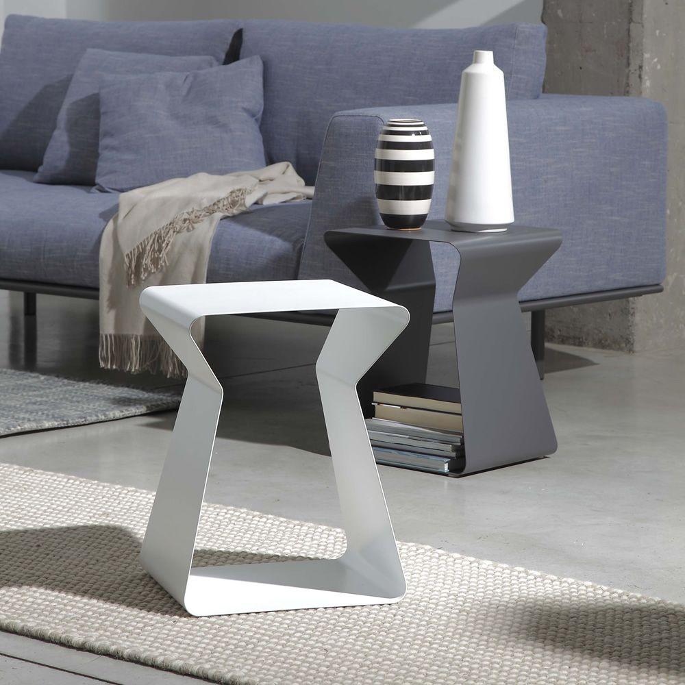 Kito tavolino di desing bontempi casa in metallo for Tavolini per ufficio