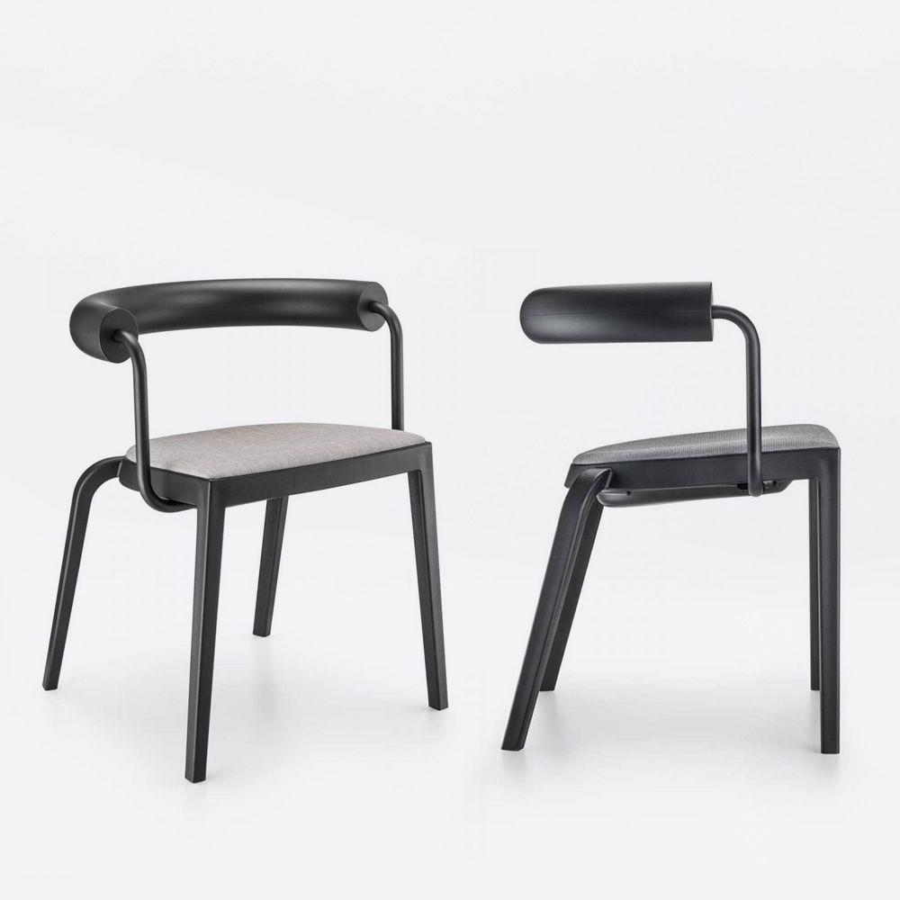 bi 20s chaise infiniti en polypropyl ne dossier en polyur thane et m tal empilable. Black Bedroom Furniture Sets. Home Design Ideas