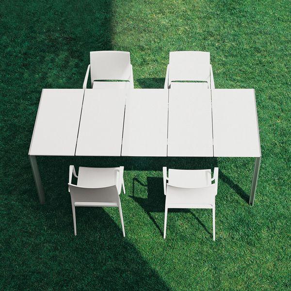 matrix outdoor table pedrali pour le jardin en aluminium et plateaux en stratifi 200 x 86 cm. Black Bedroom Furniture Sets. Home Design Ideas