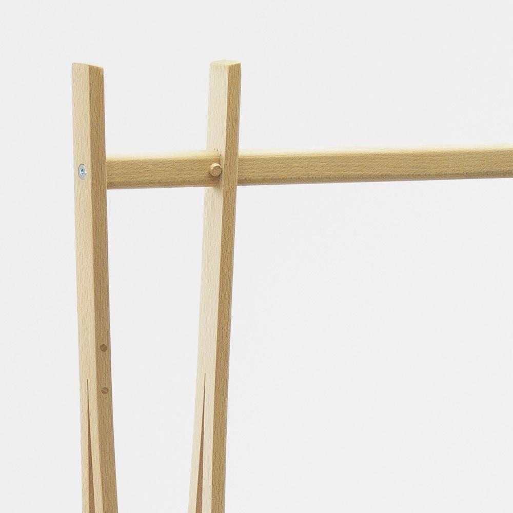 tra ra portant v tements en bois disponible dans diff rentes couleurs sediarreda. Black Bedroom Furniture Sets. Home Design Ideas