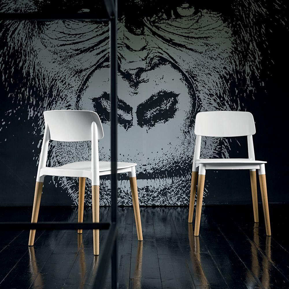 Ada sedia impilabile dall 39 agnese in legno di faggio for Sedie design legno naturale