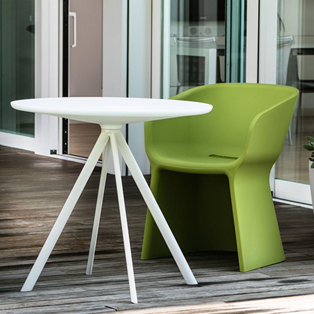 margarita fauteuil moderne en poly thyl ne disponible dans diff rentes couleurs id al pour. Black Bedroom Furniture Sets. Home Design Ideas