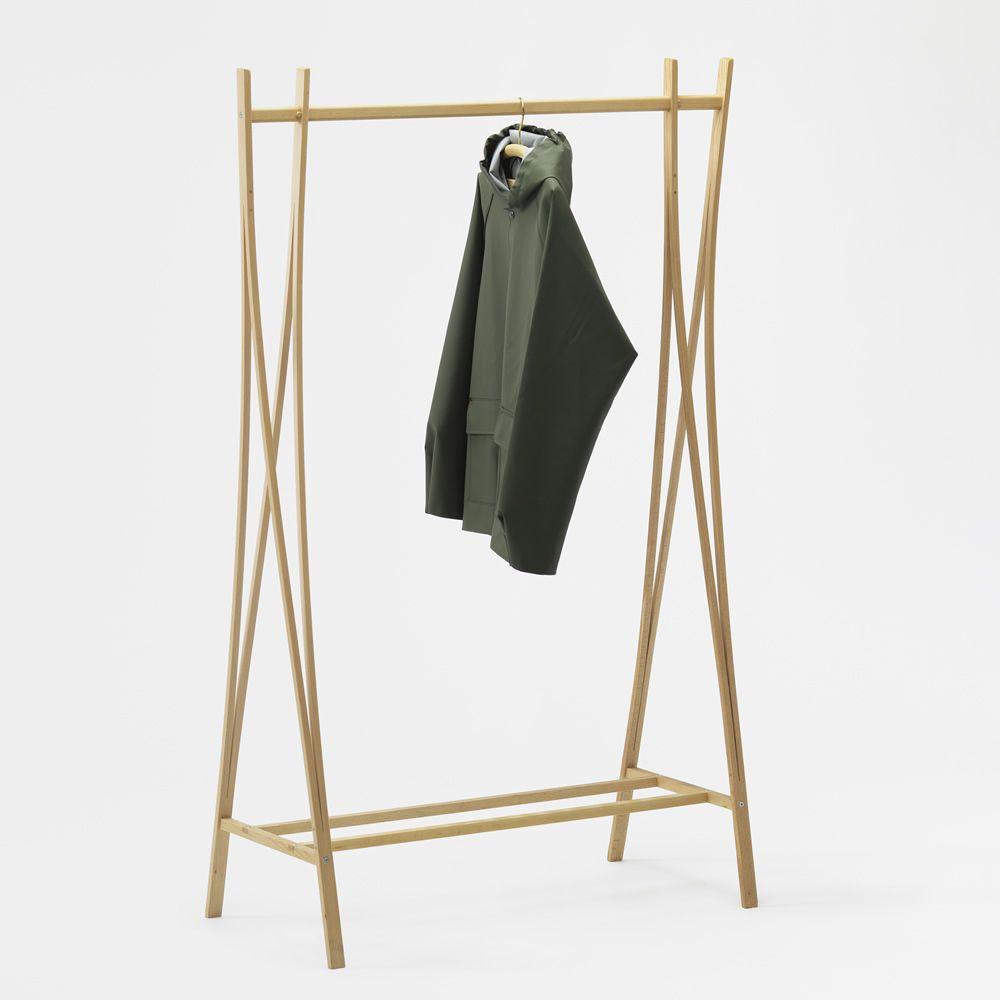 Tra ra portant v tements en bois disponible dans - Porte manteau solide ...
