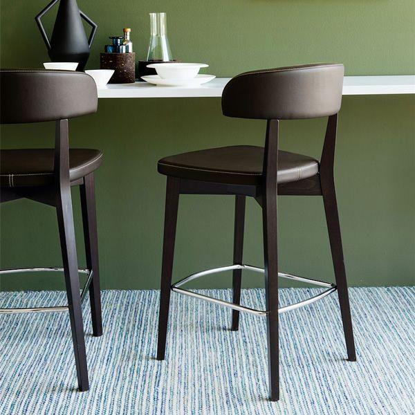 cb1542 siren hocker connubia calligaris aus holz bezug aus kunstleder in verschiedenen. Black Bedroom Furniture Sets. Home Design Ideas