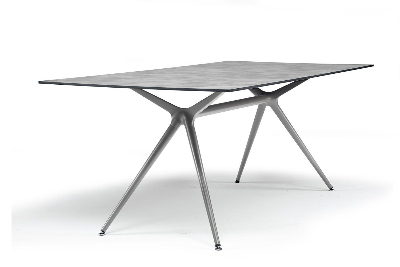 Metropolis xl rechteckiger fest tisch aus metall mit for Design tisch outlet