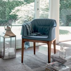 7213 Mivida | Tonin Casa armchair with ash wood legs, leather or imitaion leather covered
