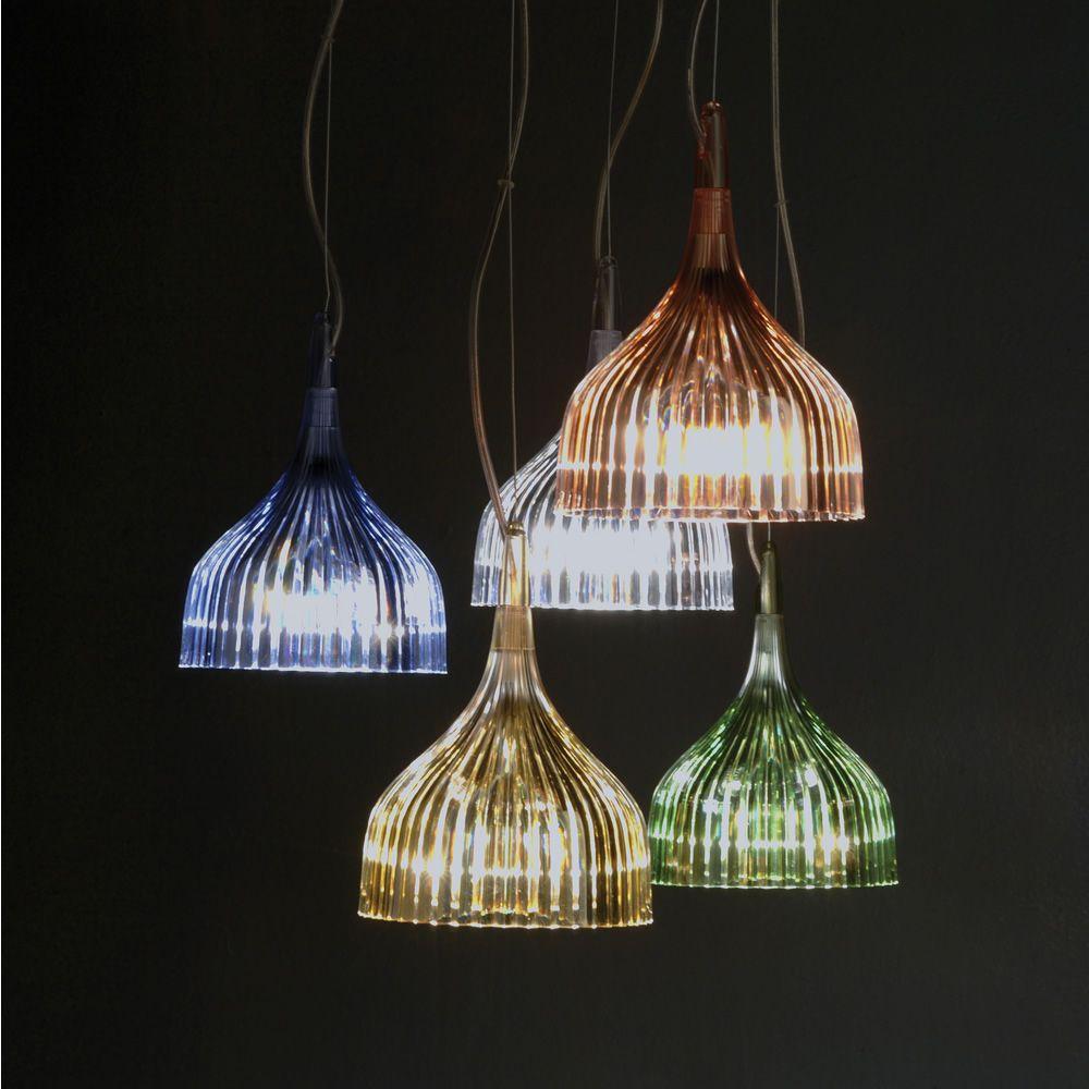 É - Lampada a sospensione Kartell in policarbonato ed acciaio, in diversi colori - Sediarreda