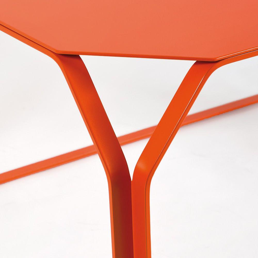Tray 3 metal table basse rectangulaire en m tal sediarreda - Table basse prisme ...