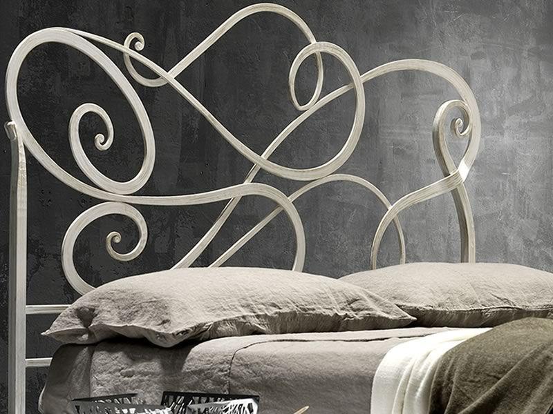 Aura - Letto matrimoniale in ferro battuto, disponibile in diverse ...
