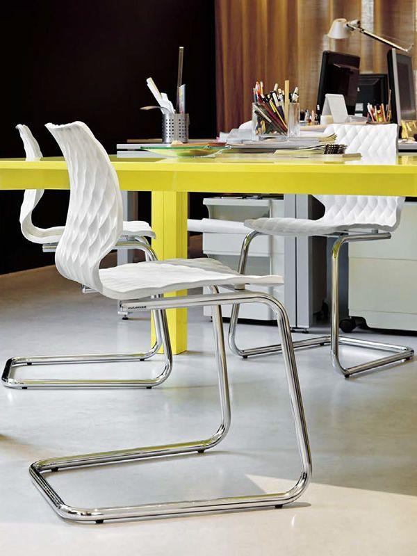 Uni 564 sedia cantilever in metallo e polipropilene for Sedie in acciaio