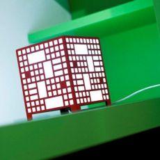 City B - Lampada da tavolo o da parete, in metallo, LED, disponibile in diversi colori