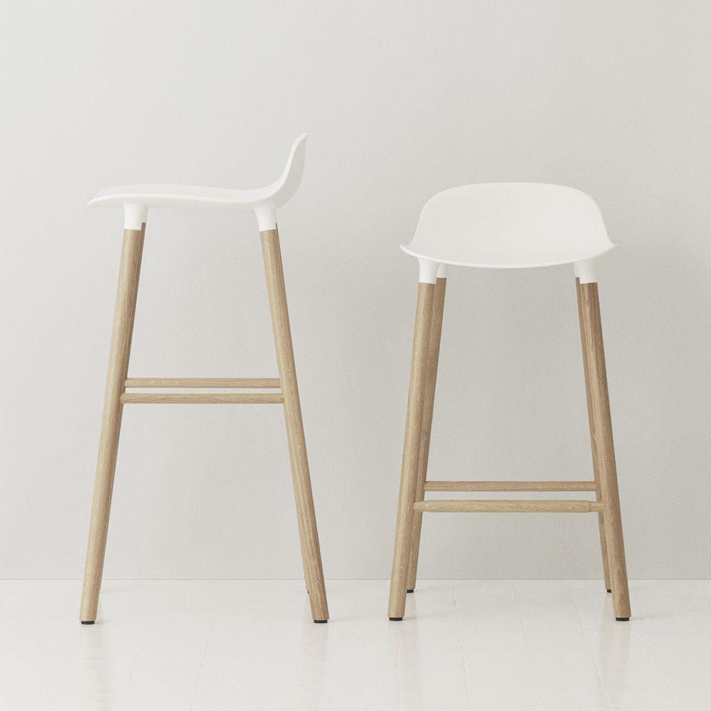Form sgw taburete normann copenhagen de madera con asiento de polipropileno disponible en - Asientos para taburetes ...