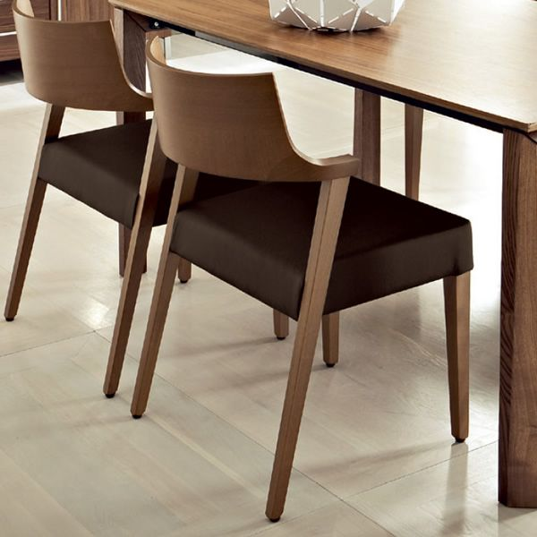 Lirica sedia domitalia in legno seduta imbottita e for Sedie pelle e legno