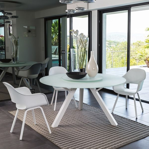circle table en aluminium plateau en verre de 150 cm de di metre et plateau tournant convivial. Black Bedroom Furniture Sets. Home Design Ideas