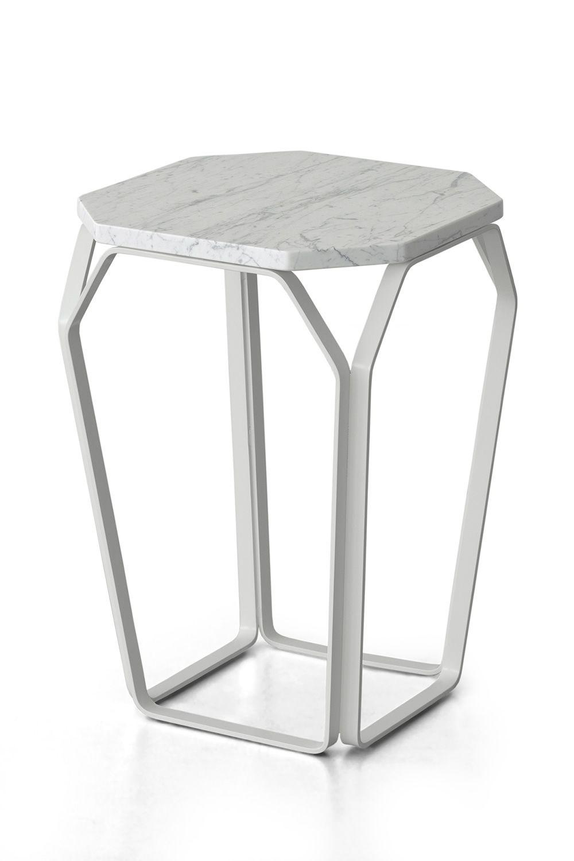 Tray 1 marble table design carr e en m tal avec plateau en marbre disponible en plusieurs - Table basse prisme ...