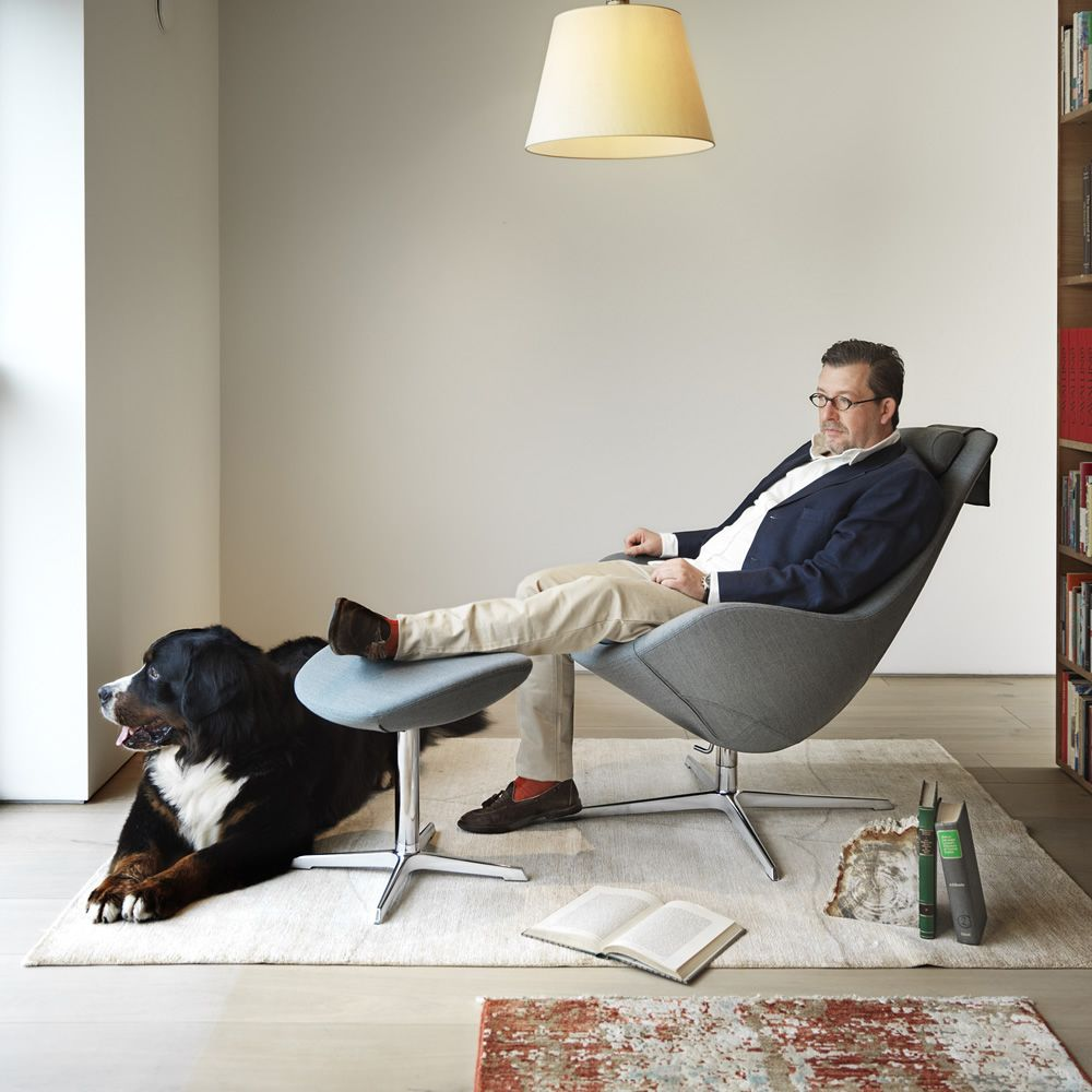 https://www.sediarreda.com/img/a64d0136ce/kokon-poltrona-ergonomica-girevole-con-poggiapiedi.jpg
