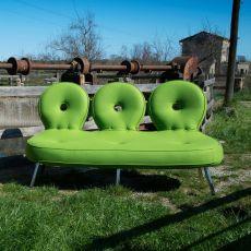 Olo XL - Divano di design Adrenalina, 3 posti, in metallo con seduta imbottita e rivestita pelle o in diversi tessuti di vari colori