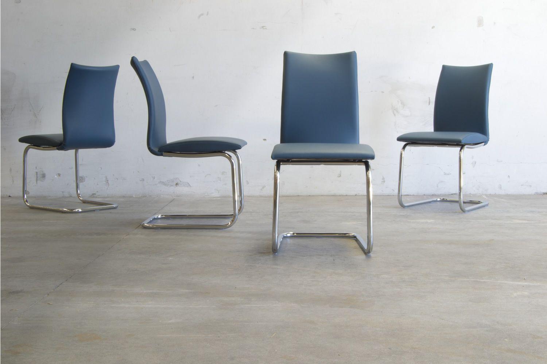 ... Swing Round   Moderner Stuhl, Mit Kufengestell Aus Metall, Sitz Mit  Bezug Aus Blauem ...