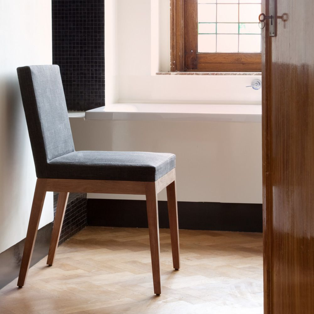 b1 chaise ethnicraft en teck assise rembourr e et rev tue en tissu sediarreda. Black Bedroom Furniture Sets. Home Design Ideas