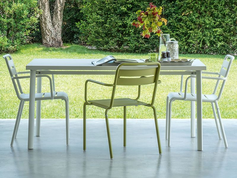 ... Star T   Metal Table Matching With Star P Armchairs ...