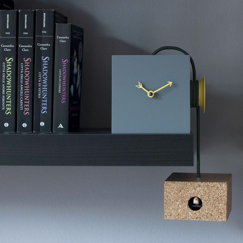 uhuhu wand oder tischkuckucksuhr aus holz und kork in verschiedenen farben verf gbar sediarreda. Black Bedroom Furniture Sets. Home Design Ideas