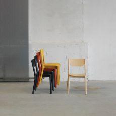 Nico - Sedia da bar in frassino, con seduta in legno od imbottita, impilabile, diversi colori disponibili
