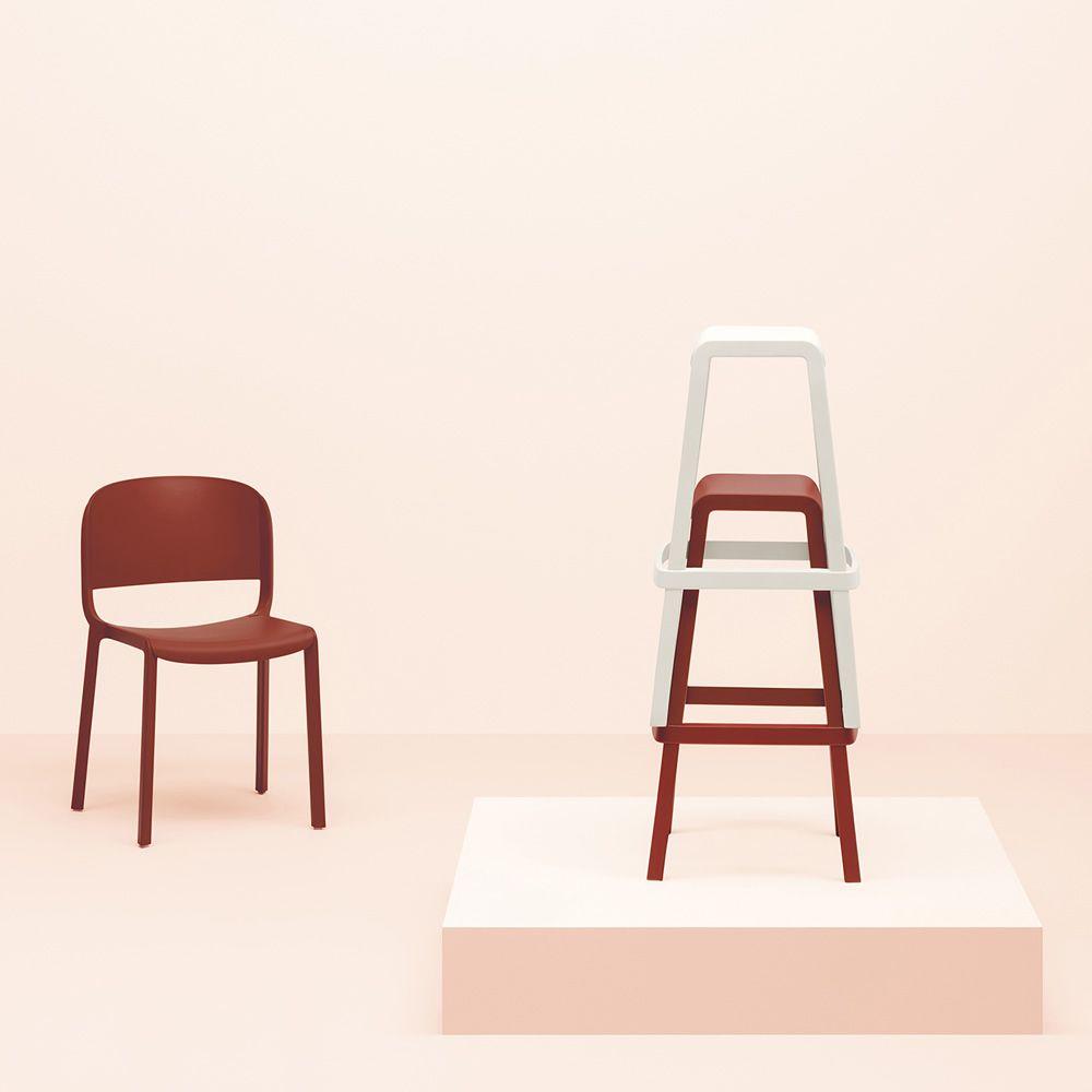 Dome stool sgabello pedrali in polipropilene impilabile for Sgabelli impilabili