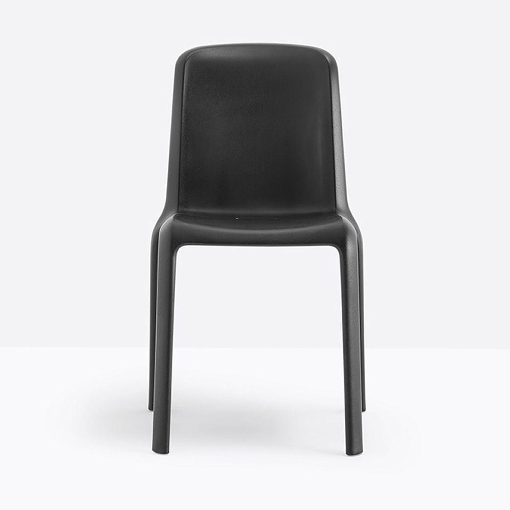 snow 300 chaise pedrali en polypropyl ne empilable aussi pour jardin en diff rentes couleurs. Black Bedroom Furniture Sets. Home Design Ideas