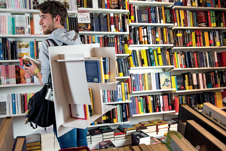 Arigatò Libreria Di Design Modulare Infiniti In Tecnopolimero  #A26C29 1500 1000 Ikea Tavoli Pieghevoli