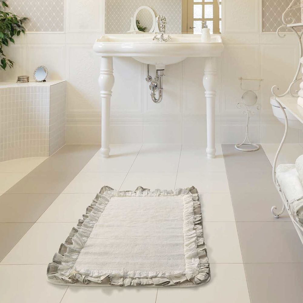 vintage teppich aus baumwolle f r das badezimmer mit details aus stoff sediarreda. Black Bedroom Furniture Sets. Home Design Ideas