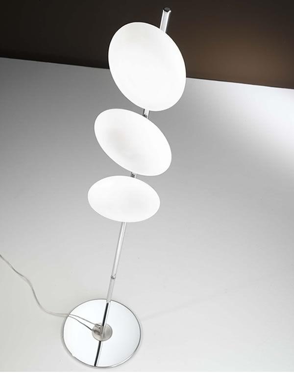 Fa3116t lampada da terra in metallo e vetro sediarreda for Lampada da terra moderna