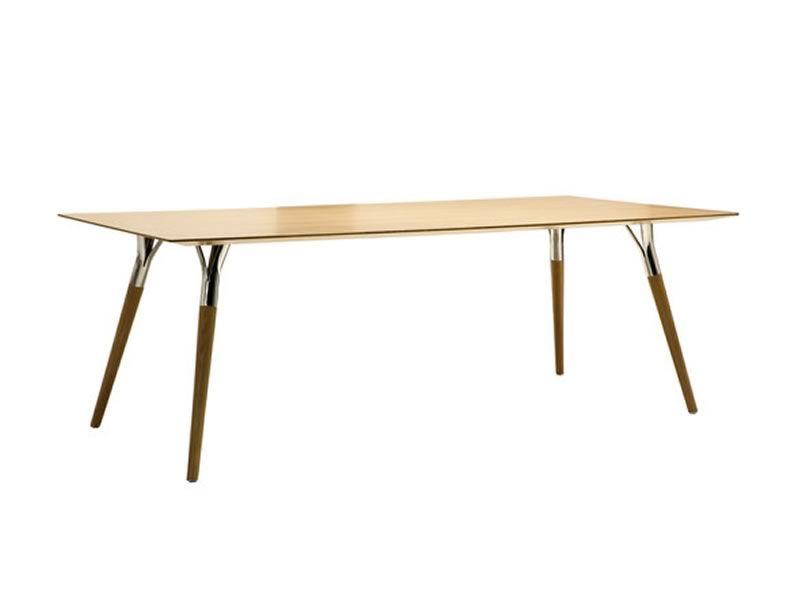 salt pepper tonon design tisch mit metallbeinen und. Black Bedroom Furniture Sets. Home Design Ideas