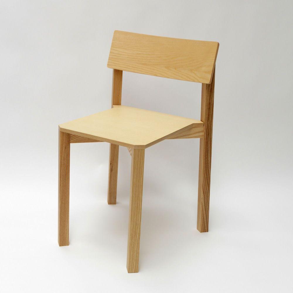 simple one chaise empilable valsecchi en bois de fr ne sediarreda. Black Bedroom Furniture Sets. Home Design Ideas