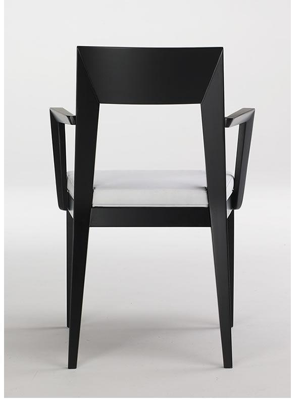 Mary b sedia in legno con braccioli profumata seduta for Sedia design ecopelle bianca