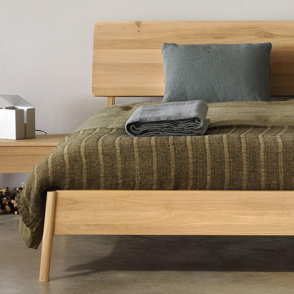 air doppelbett ethnicraft mit holzgestell in verschiedenen gr en verf gbar sediarreda. Black Bedroom Furniture Sets. Home Design Ideas