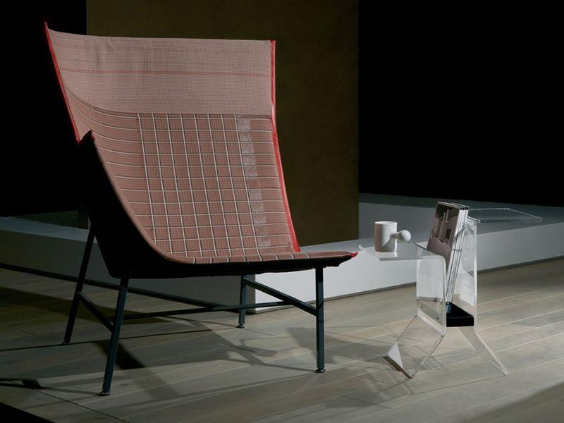 ideo table basse porte revues en methacrylate et bois disponible en diff rentes couleurs. Black Bedroom Furniture Sets. Home Design Ideas
