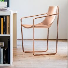 Apelle P - Midj chair with armrest, made of metal and natural hide