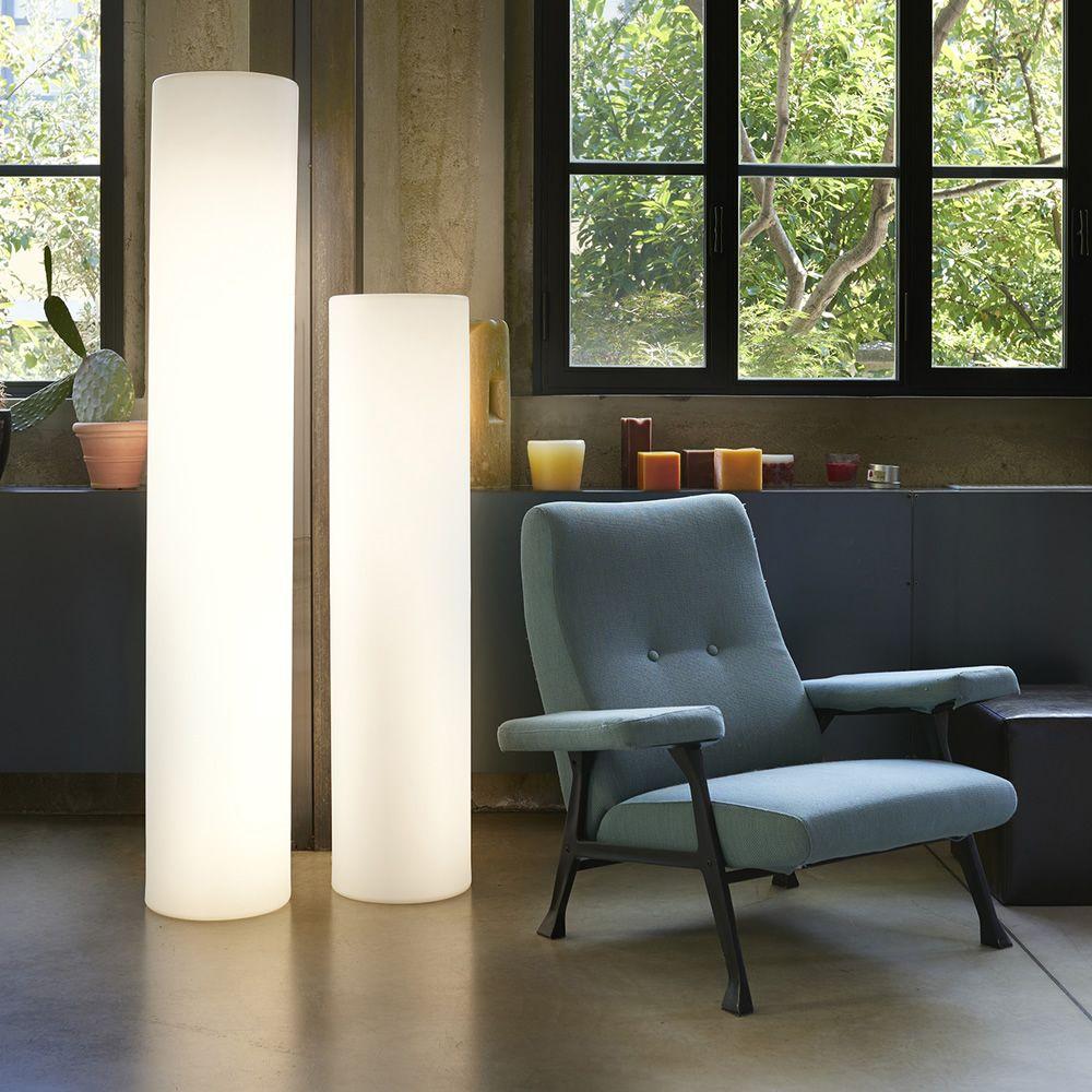 fluo stehlampe slide aus polyethylen verschiedene vorr tige h hen mit led licht sediarreda. Black Bedroom Furniture Sets. Home Design Ideas