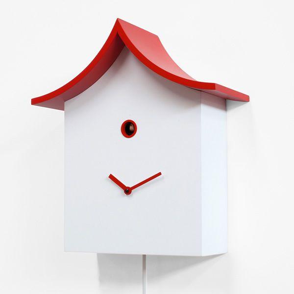 ku ku kina horloge coucou design en bois pourvue de balancier d coratif disponible en. Black Bedroom Furniture Sets. Home Design Ideas
