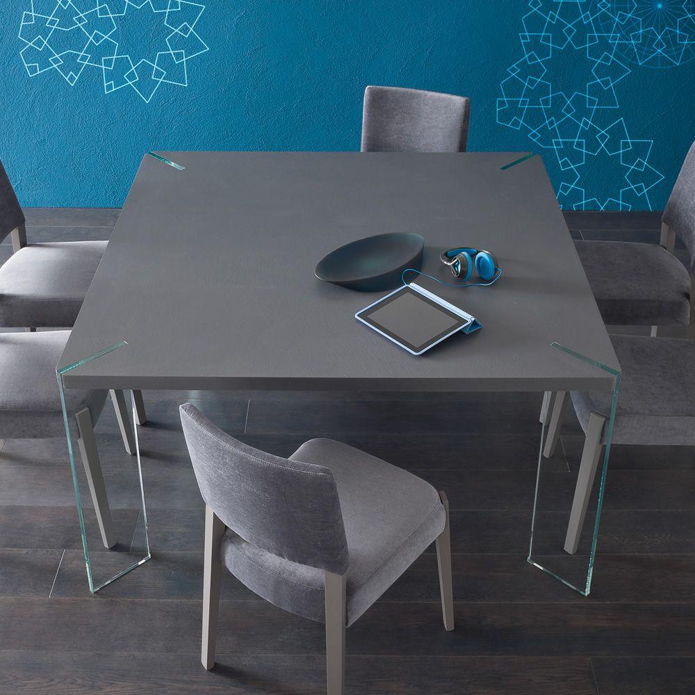 Agrippa tavolo fisso di design con gambe in vetro for Tavolo design vetro