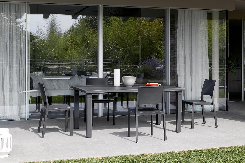 Kate 2341 stuhl aus technopolymer stapelbar auch f r - Outdoor stuhle kunststoff ...